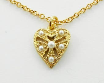 Petite Pearls Heart Necklace