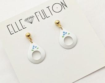 Vintage Folk Teardrop Earrings in White with 3 Petal Floral