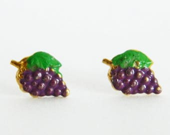 Tiny Grape Studs