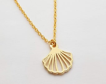 Gold Plated Seashell Cutout Necklace