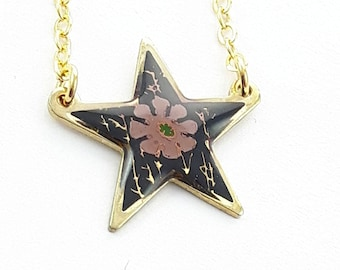 Vintage Star Floral Print Necklace in Lilac
