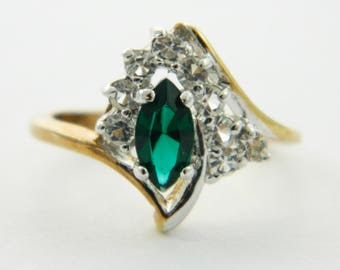 Asymmetrical Marquise Faux EmeraldCocktail Ring - VGE315