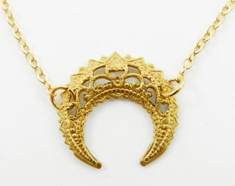 Vintage Horn Necklace