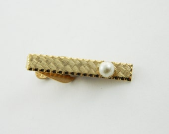 Etched Gold Pearl Tie Clip