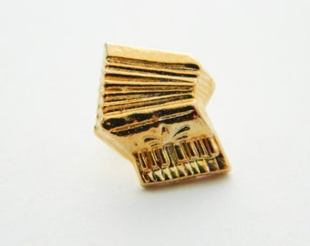 Accordion Pin