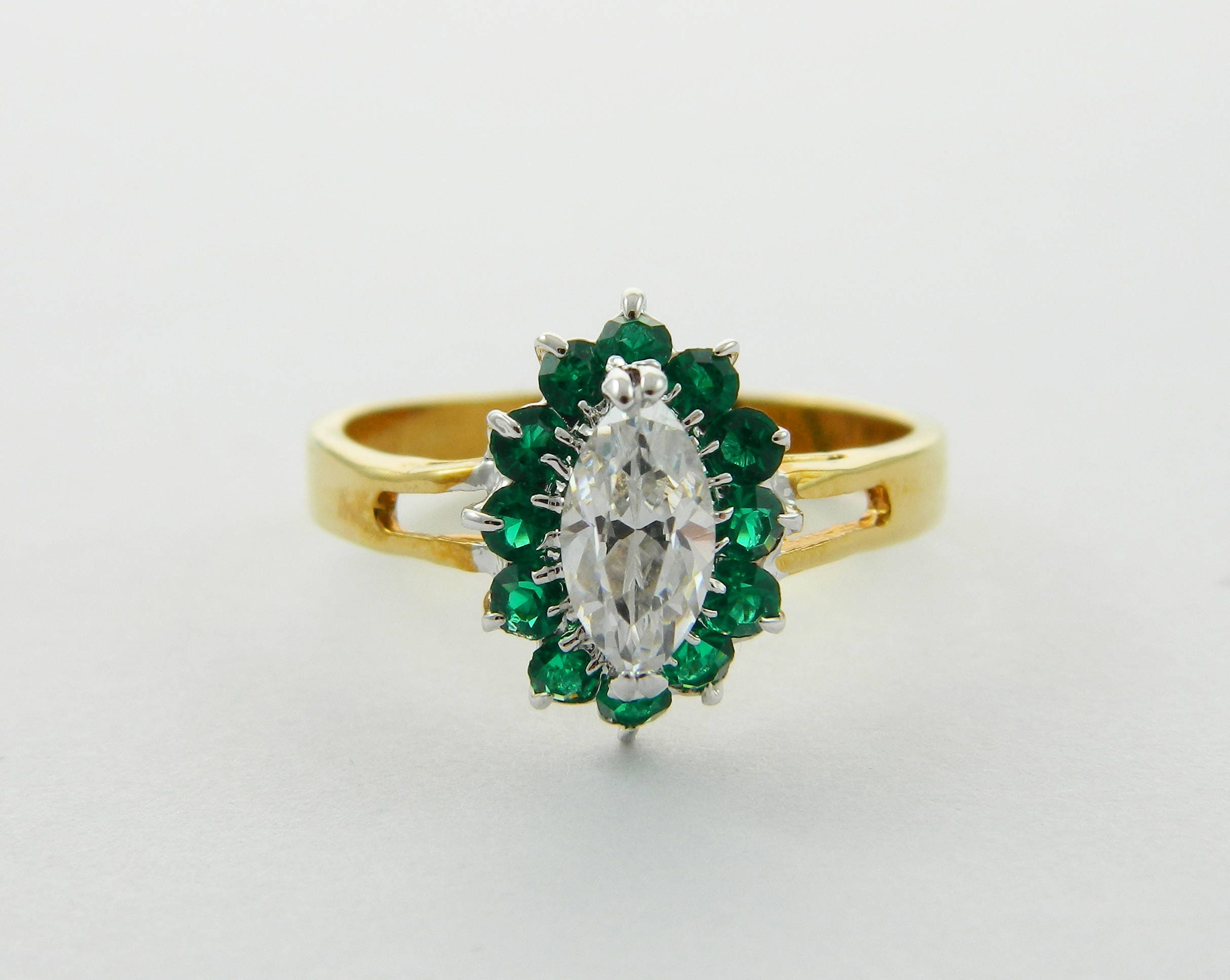 14Kt Gold Simulated Emerald /& Diamond Marquise Ring