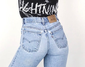 9e9b954e3c5 Levi s Orange Tab 550 Student Fit Faded Worn In High Waisted Slim Fit Jeans     Women s size 24 25 00 0 XS