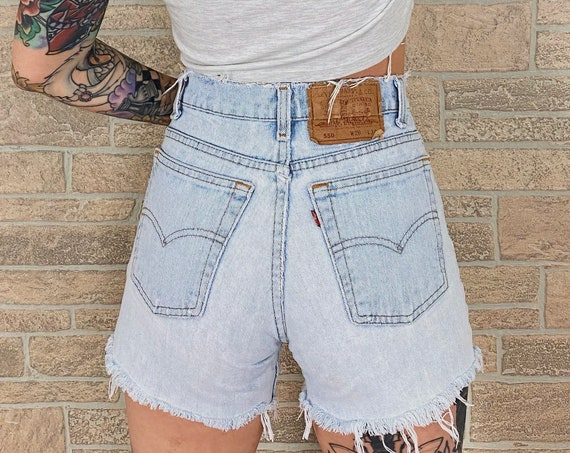 Levi's High Rise Cut Off Shorts / Size 25 26