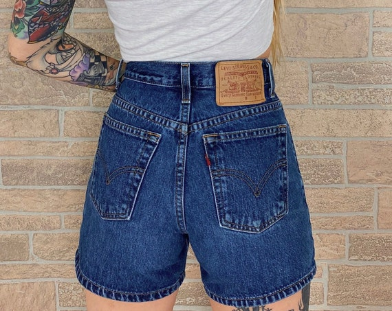Levi's Vintage Denim Shorts / Size 25 26