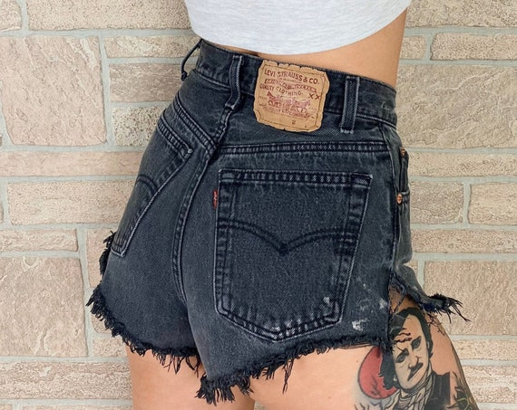 Levi's 17501 Faded Black Cheeky Shorts / Size 24 XS
