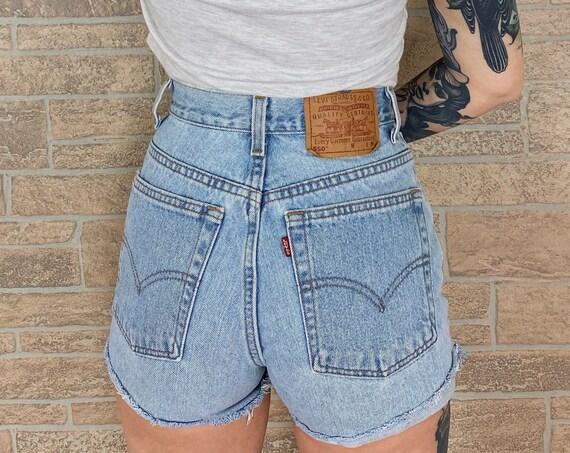 Levi's 550 Cut Off Shorts / Size 26 27