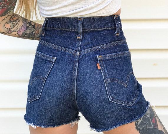 70's Levi's Orange Tab Shorts / Size 28
