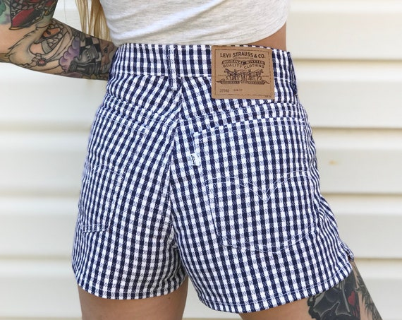 Levi's Vintage Plaid Shorts / Size 30