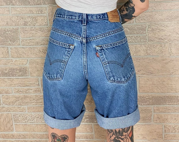 90's Levi's 569 Loose Oversized Fit Shorts / Size 28 29