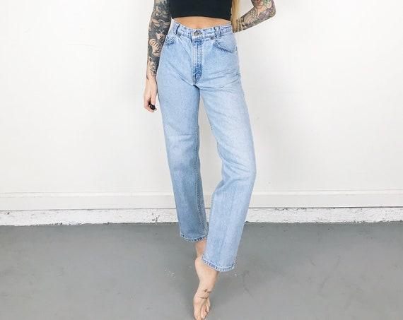 Levi's 550 Student Fit Jeans / Size 25 26