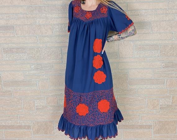 1970's Embroidered Muumuu Summer Lounge Dress