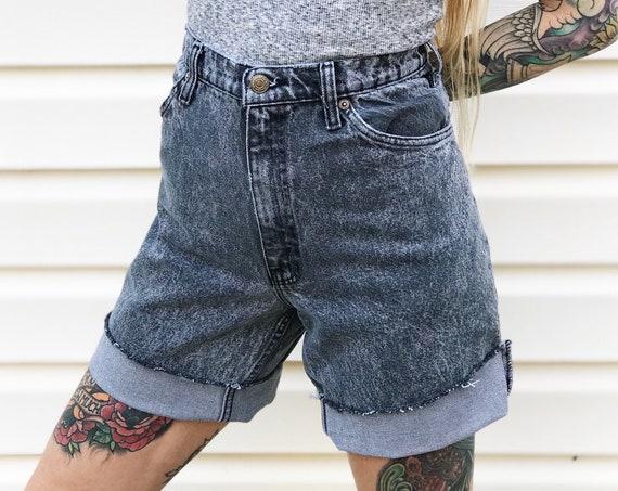 Levi's 550 Cut Off Shorts / Size 32