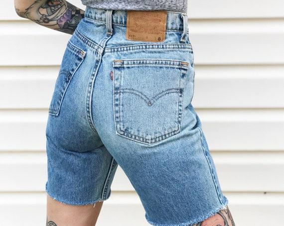 Vintage Levi's Bermuda Cut Off Shorts / Size 28 29