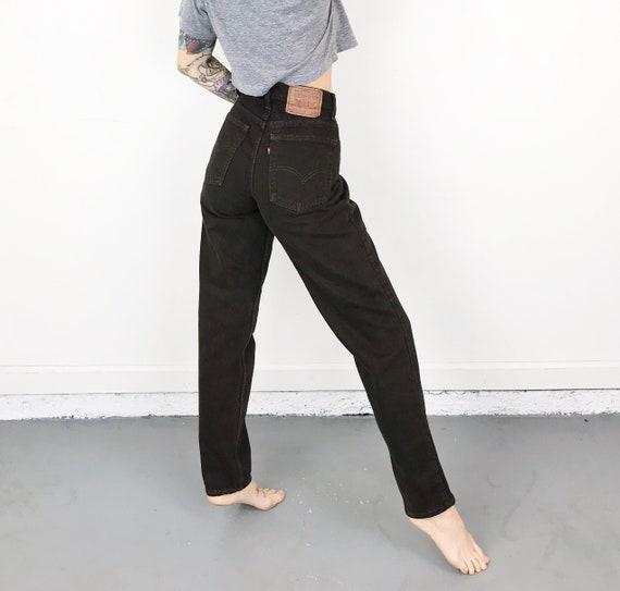 Levi's 550 Dark Brown Jeans / Size 28