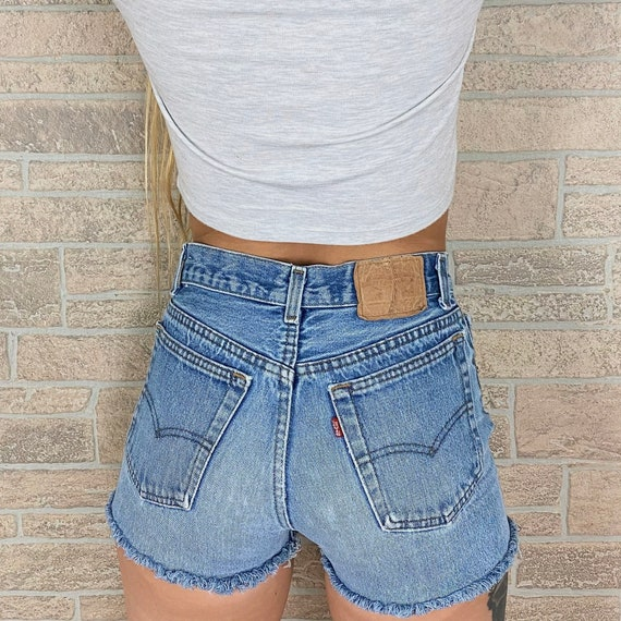 Levi's 701 Student Fit Shorts / Size 23 24
