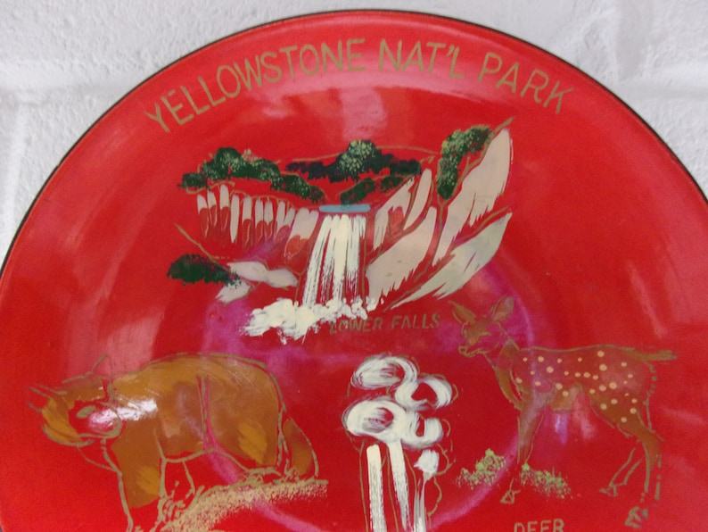 VINTAGE YELLOWSTONE SOUVENIR Bowl Red Lacquer National Park Vacation Deer Bear Round Serving Anco Japan