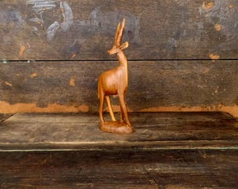Vintage carved wood gazelle/deer statue/decorative wooden piece/small wooden animal figurine/Kenya African statue