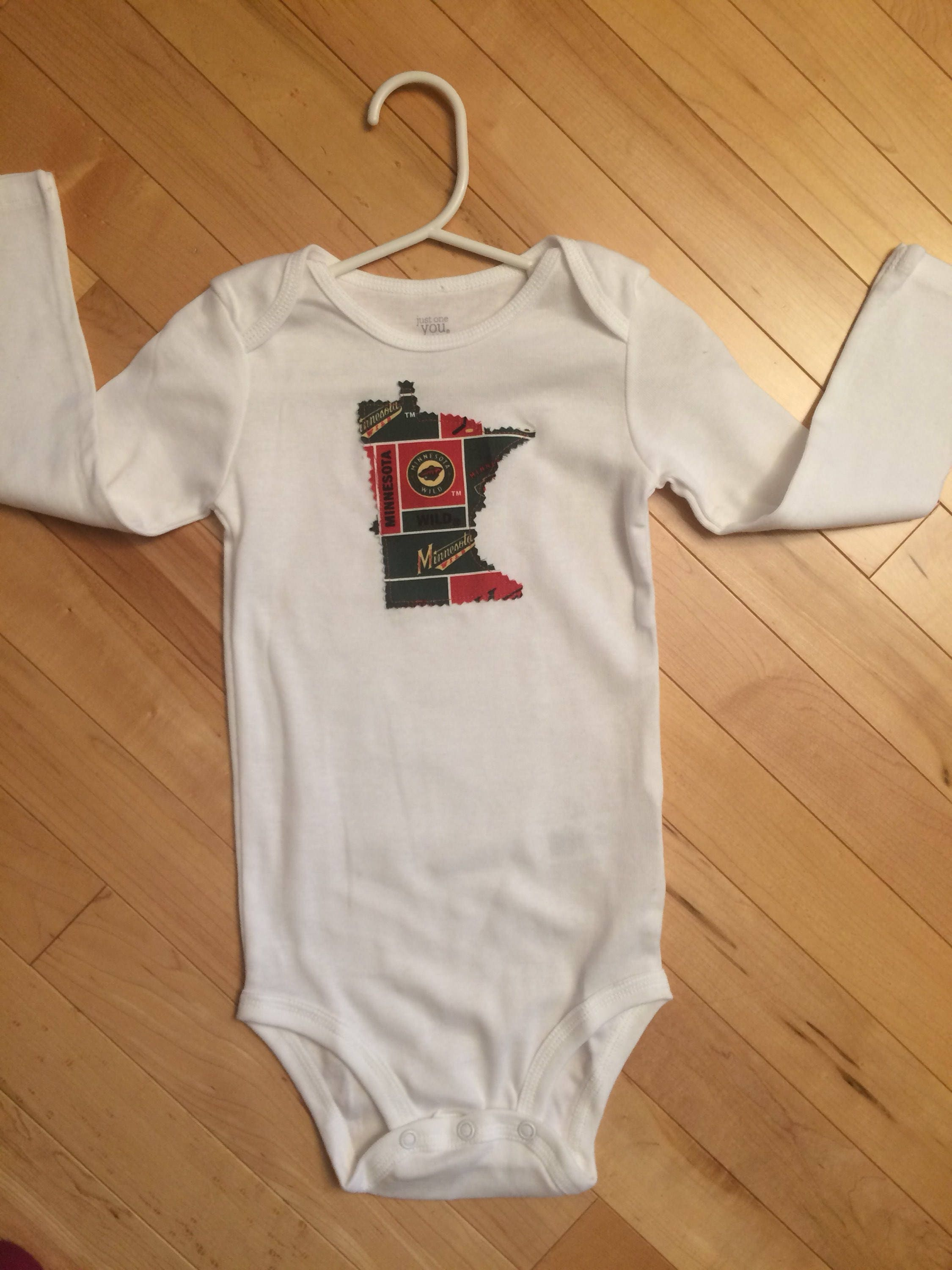 Minnesota Twins appliqued boys//girls Onesie