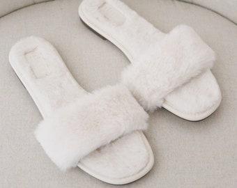 IVORY FAUX FUR Slide Flat Sandals - Bridal Sandals, Bridesmaids Sandals, Bridesmaids Gift, Fluffy Sandals, Wedding Slippers, Wedding Gifts