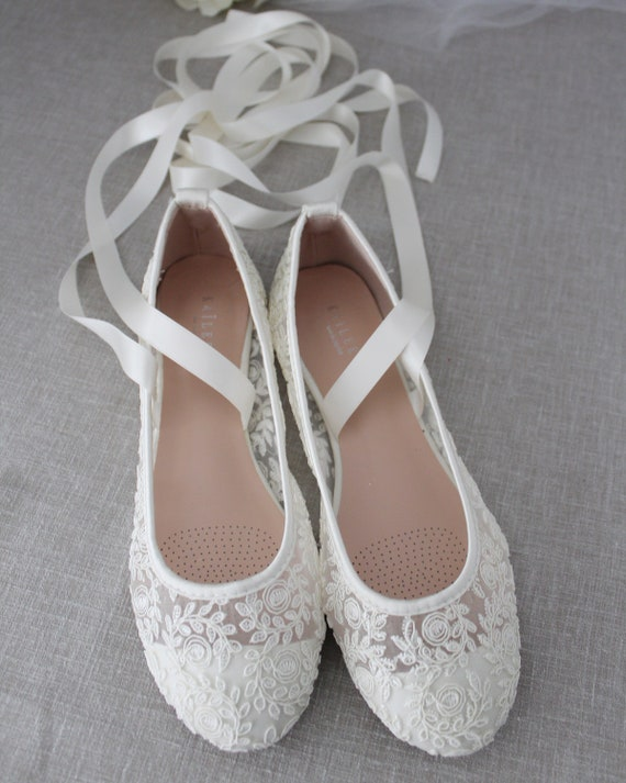 IVORY LACE round toe flats with