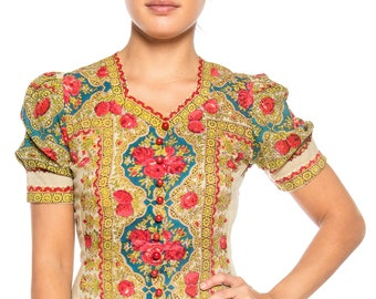 Stunning 1940s Wool Paisley Top With Roses And Strawberries Size: 2