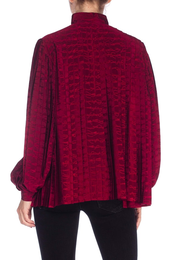 1970S GUCCI Cranberry Red Silk Jaquard Pleated Bl… - image 6