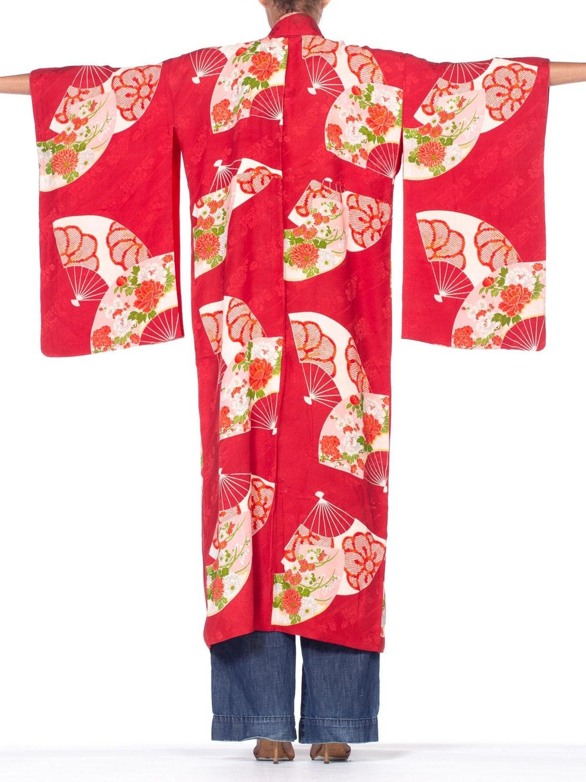 1950's Cranberry Red Japanese Silk Fan Print Kimono