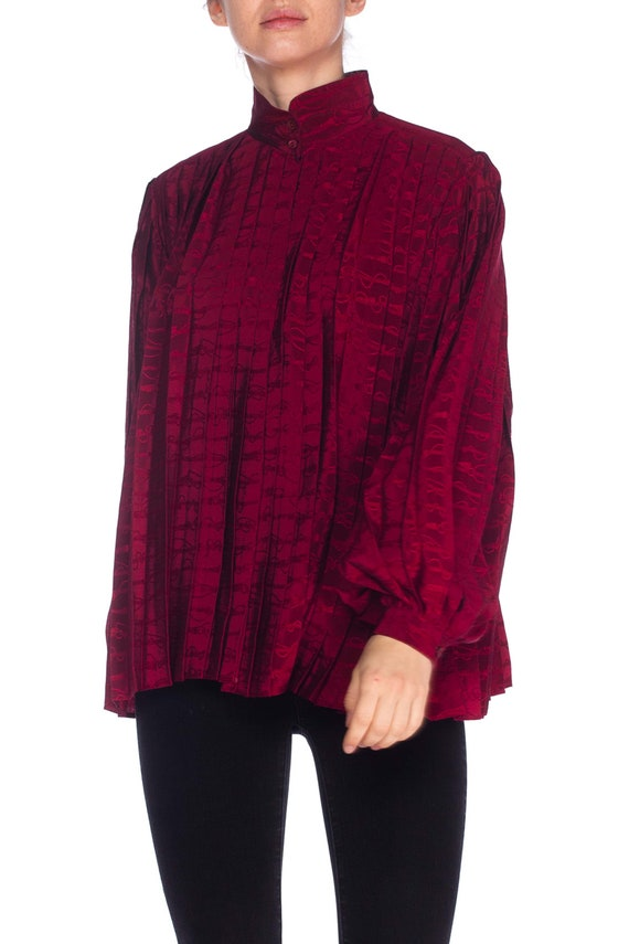 1970S GUCCI Cranberry Red Silk Jaquard Pleated Bl… - image 2