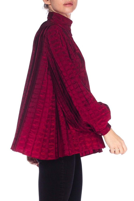 1970S GUCCI Cranberry Red Silk Jaquard Pleated Bl… - image 3