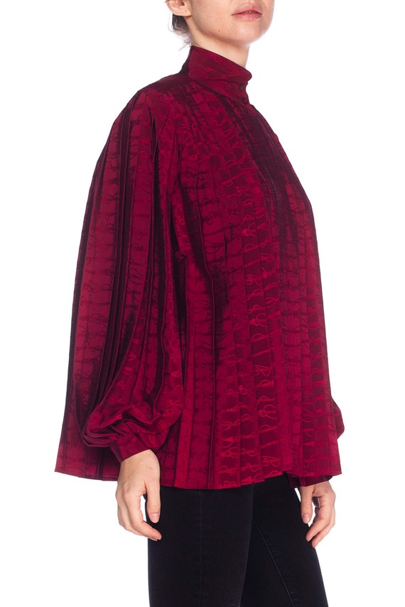 1970S GUCCI Cranberry Red Silk Jaquard Pleated Bl… - image 5