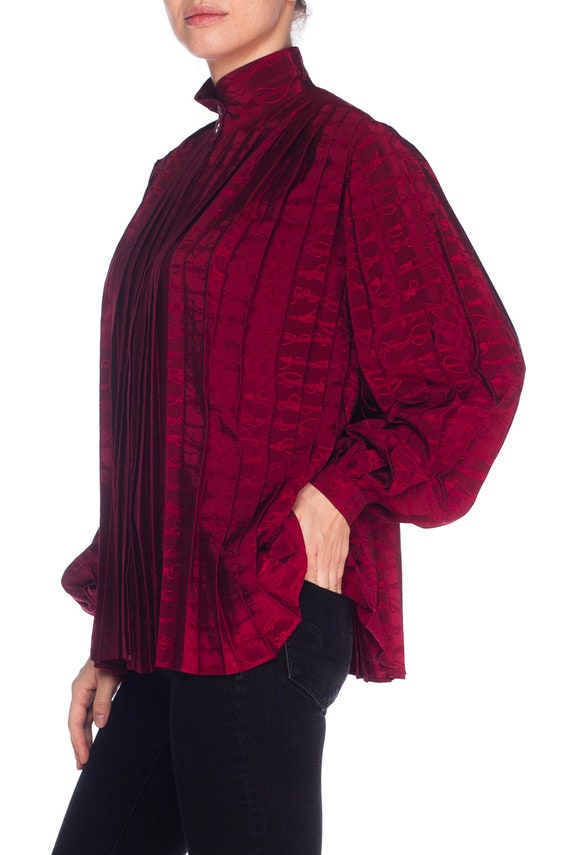 1970S GUCCI Cranberry Red Silk Jaquard Pleated Bl… - image 7