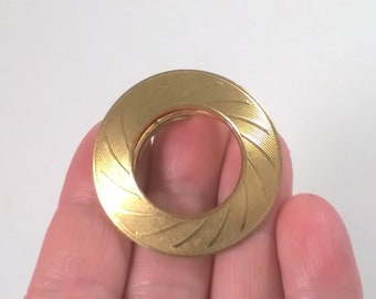 Vintage Clip On Circle Scarf Ring - Pinless Brooch - West Germany Fashion Jewelry Brooch 1960s