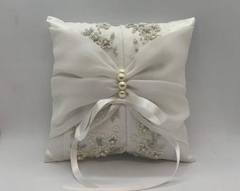 Wedding dress ring bearer pillow, repurpose wedding gown, Heirloom gift for daughter, bridal shower gift, keepsake pillow from wedding dress