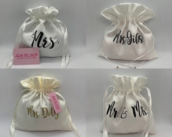 Dollar dance bag, Personalized Mrs gift card holder, wedding satin with glitter wording,  string pouch