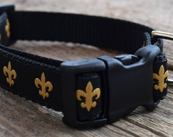 """Petite Fleur de Lis Dog Collar. 3/4"""" wide, available in S, M, L"""
