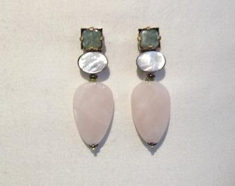 """Boucles d'oreilles clips en pierres et matières naturelles nommées : """"BONNE FÊTE"""""""