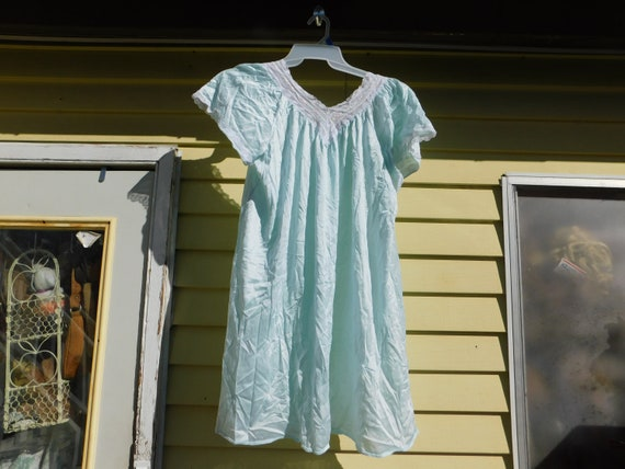 Vintage Light Green Night Gown, Vintage Night Gown