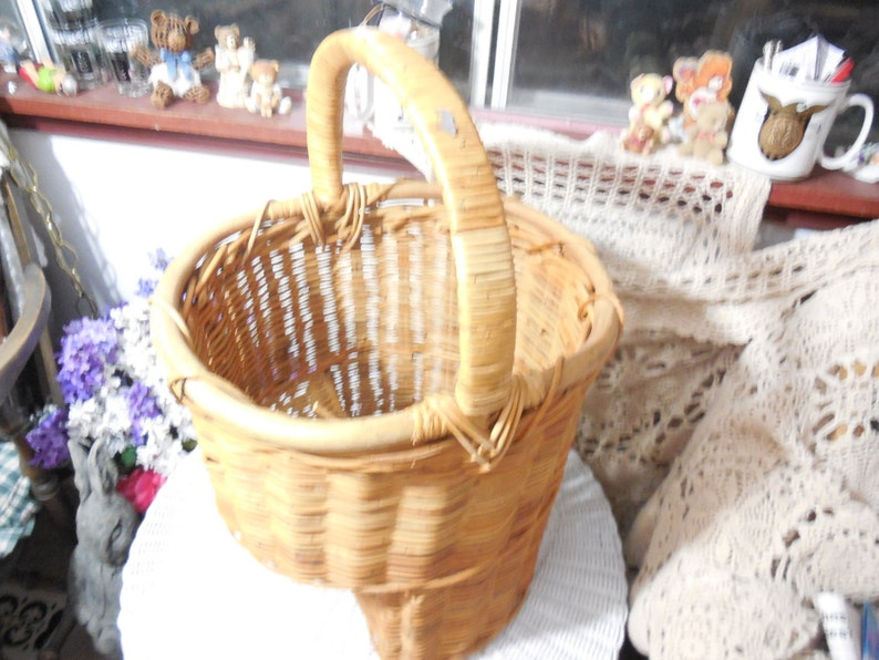 Stair Way Basket Wicker, Stairway Basket, Basket, Vintage Basket, Basket  Storage, Organization, Vintage Home Decor, Country Decor :)s