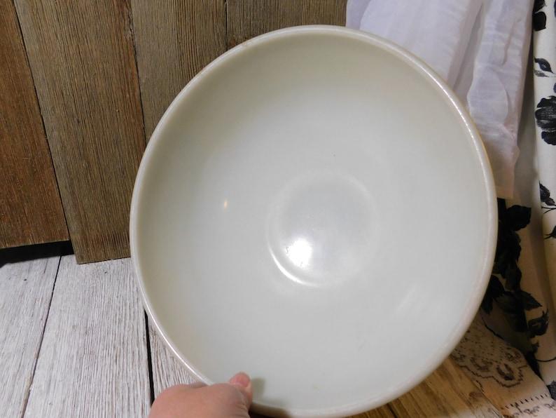 s*** Pyrex Mixing Bowl, Large Size Pyrex Bowl, Nesting Bowl, Country Kitchen Decor, Vintage Kitchen Decor, Country Home Decor, Movie Prop, :