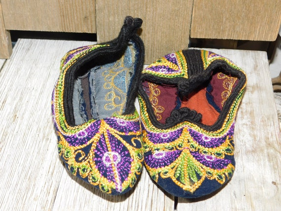 India Childs Slippers, Casket Slippers ?, Slip On… - image 1