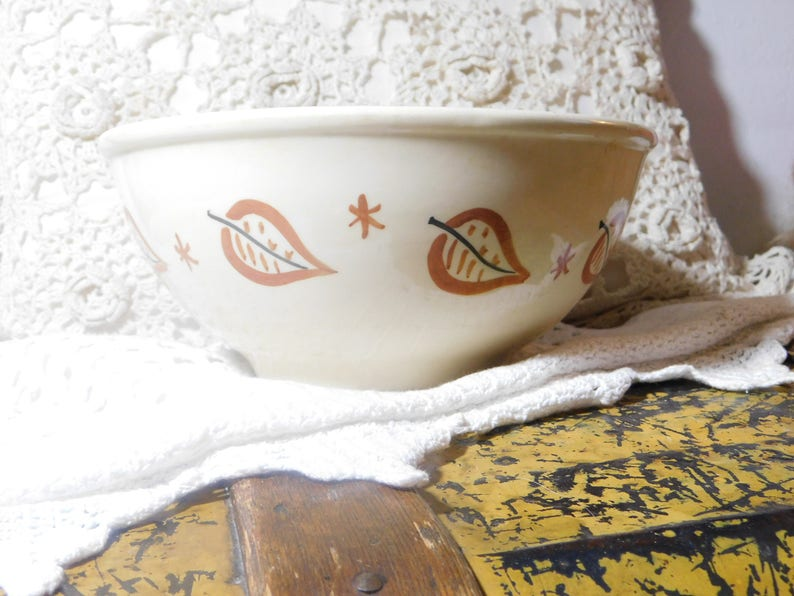 s* Pottery Bowl white with Brown Leaves, Vintage Pottery Bowl, Fall Pottery Bowl, Vintage Pottery Bowl Thanksgiving, Vintage Kitchen Decor :