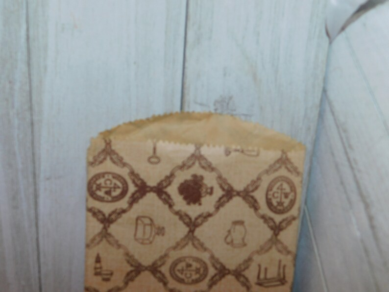 Daysgonebytreasures Prop Vintage Paper Shop Bag Memories Souvenirs Scrap Booking Vintage Williamsburg Restoration Small Paper Bag