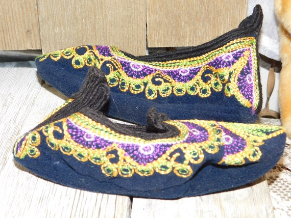 India Childs Slippers, Casket Slippers ?, Slip On… - image 2