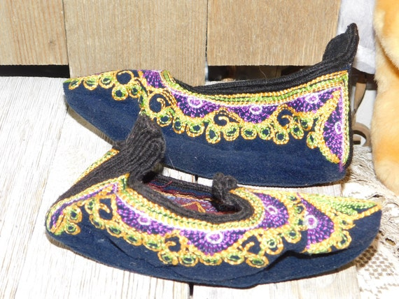 India Childs Slippers, Casket Slippers ?, Slip On… - image 8