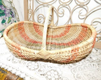 Wicker Gathering Basket Oval Size with Handle, Ribbed Basket, Primitive Basket, Egg Basket, Wicker Basket, Vintage Home Decor, s